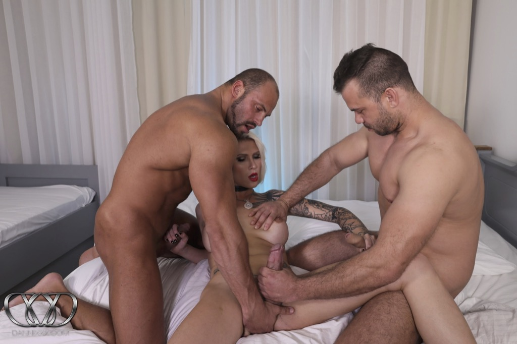 Danni gets into a make love threesome penish fiesta with two